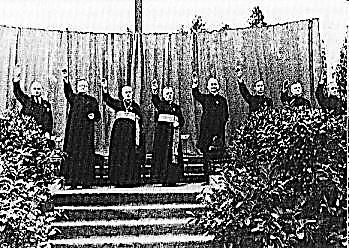 Priests hailing Hitler
